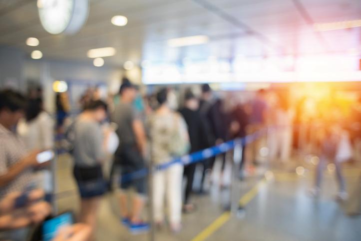 学生ビザ取得者が入国審査で準備する物とは?
